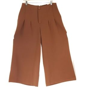 NWT Express High Waisted Culotte Pant